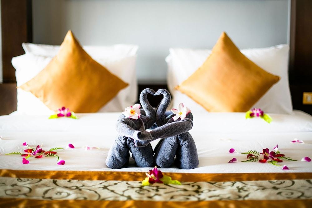 https://i.travelapi.com/hotels/5000000/4060000/4052700/4052673/c96fc8bd_z.jpg