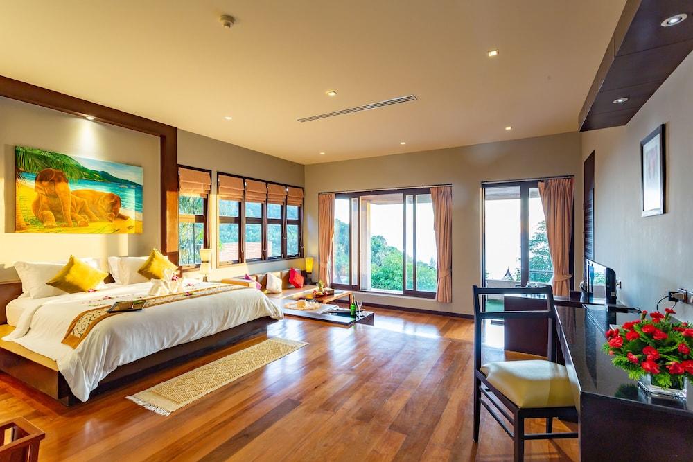 https://i.travelapi.com/hotels/5000000/4060000/4052700/4052673/cd43255e_z.jpg