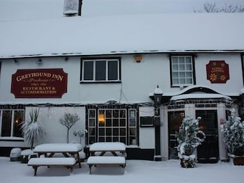 Hotel - The Greyhound Inn