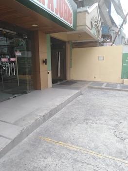 JUPITER SUITES Front of Property