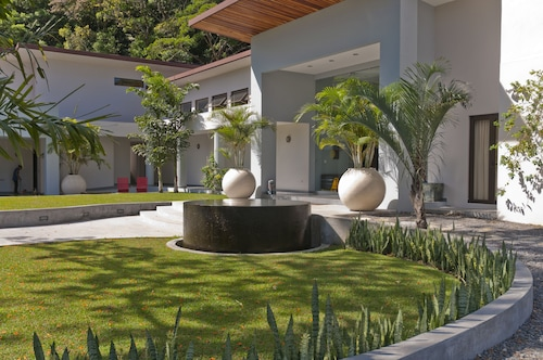 . The Haven and Spa - Health and Wellness Accommodation - Adults Only