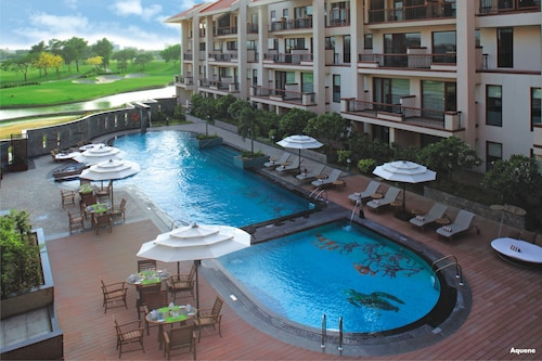 . Jaypee Greens Golf & Spa Resort