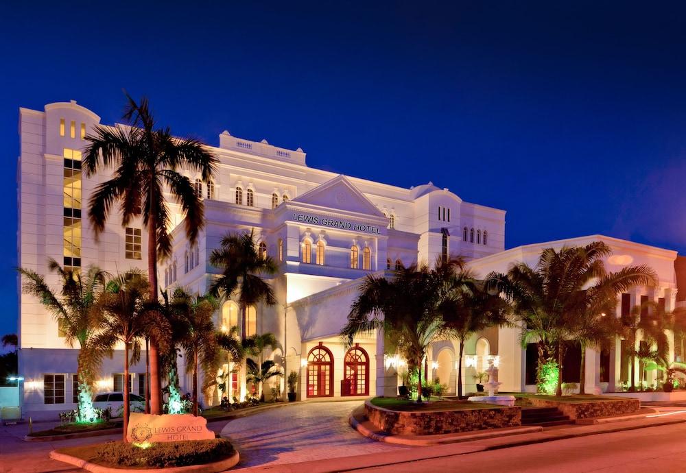 ルイス グランド ホテル