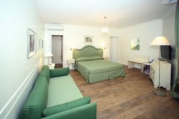 Deluxe Quadruple Room, 1 Bedroom