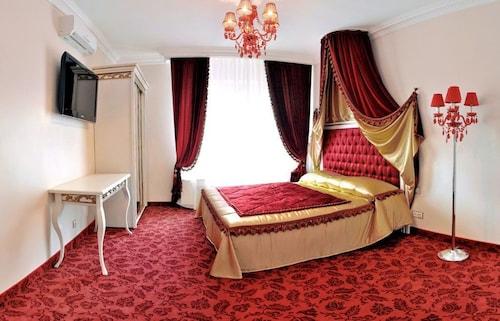 Royal City Hotel, Shevchenkivs'kyi