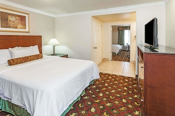 Suite, Multiple Beds, Non Smoking (Two-Bedroom Suite)