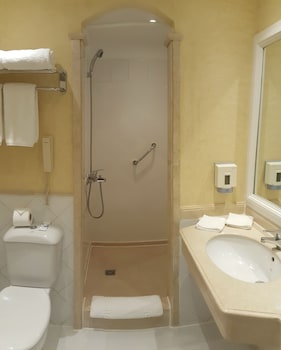 Grand Plaza Hotel - Bathroom  - #0