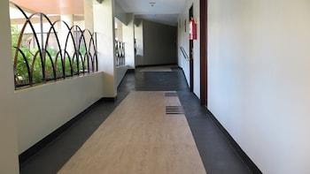 Century Plaza Hotel Cebu Hallway