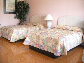 Standard 2 Full size Beds