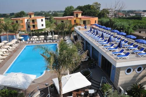 . Hotel Première
