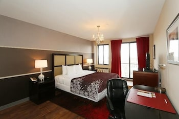 Standard Room, 1 King Bed, Balcony