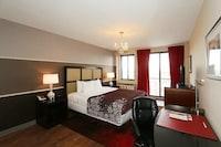 Hotel room image 200135965