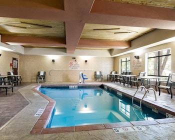Comfort Suites Topeka - Pool  - #0