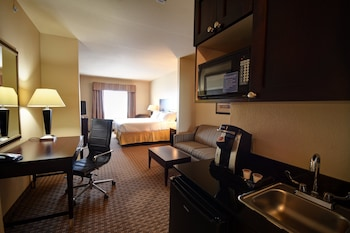 Deluxe Suite, 2 Queen Beds, Accessible, Non Smoking (Hearing)