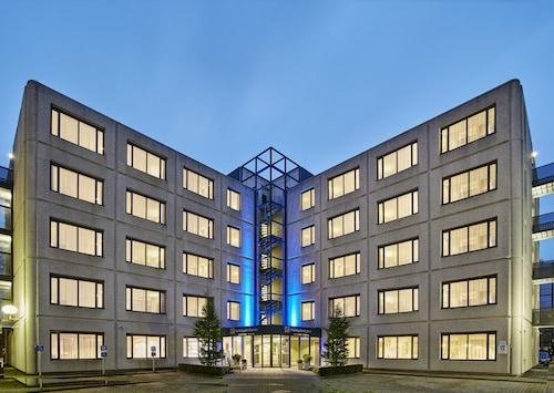 . Holiday Inn Express Amsterdam - Schiphol, an IHG Hotel