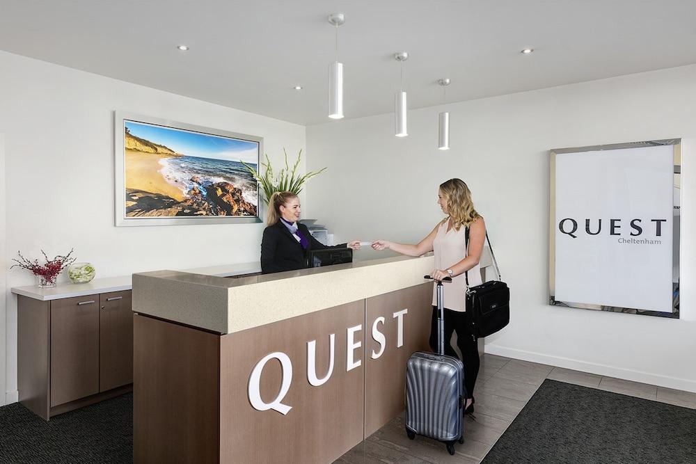 퀘스트 첼튼엄(Quest Cheltenham) Hotel Image 2 - Reception