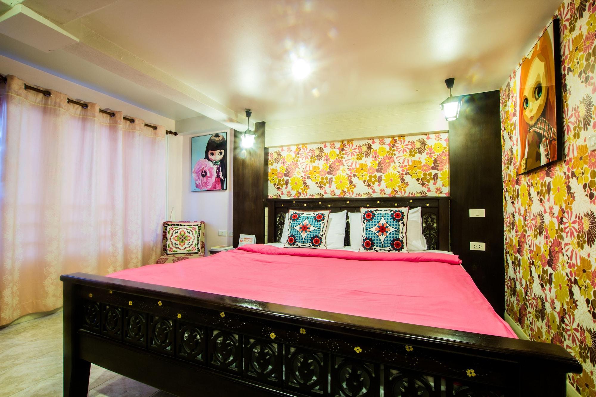 Sabai Sabai @ Sukhumvit Hotel, Wattana