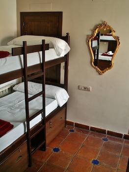 Dormitory with Private Bathroom Female, 1 Bed in 6 beds Dorm