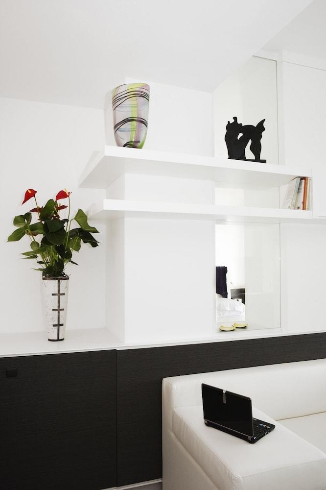 룽고테베레 스위트(Lungotevere Suite) Hotel Image 13 - Living Area
