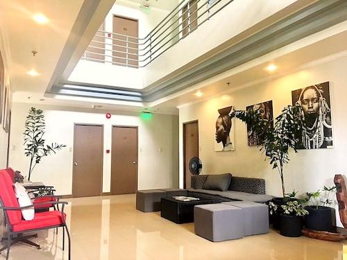 . Hotel Tiffany Laoag