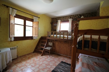 Family Quadruple Room, 1 Bedroom, Private Bathroom, Mountain View
