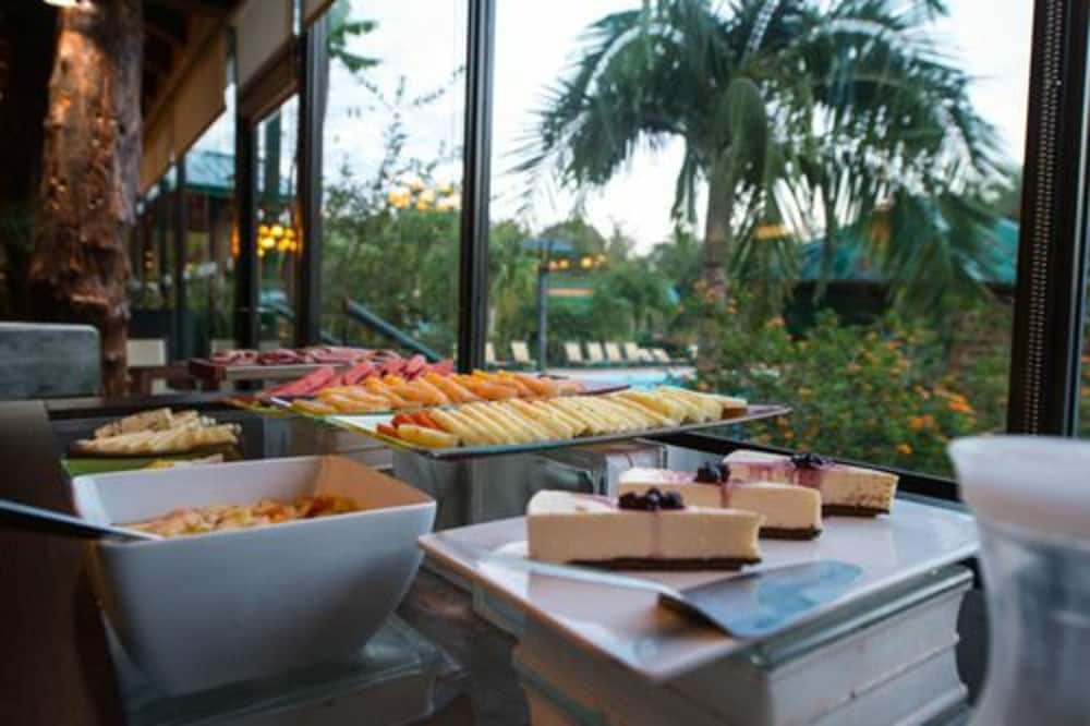 이구아수 정글 로지(Iguazú Jungle Lodge) Hotel Image 34 - Breakfast buffet