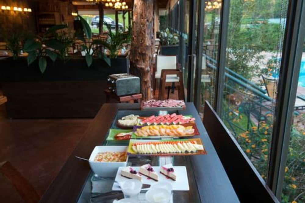 이구아수 정글 로지(Iguazú Jungle Lodge) Hotel Image 35 - Breakfast buffet