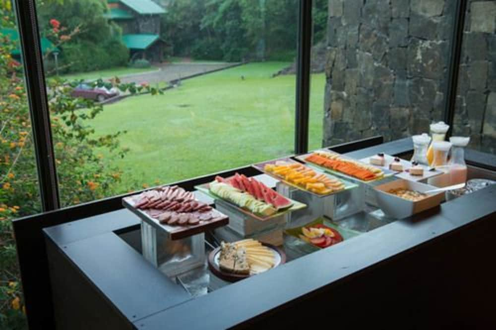 이구아수 정글 로지(Iguazú Jungle Lodge) Hotel Image 36 - Breakfast buffet
