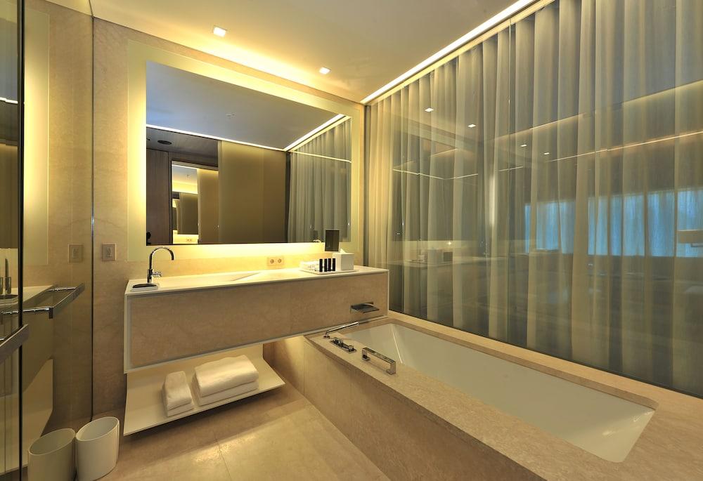 하얏트 센트릭 레번트 이스탄불(Hyatt Centric Levent Istanbul) Hotel Image 35 - Bathroom