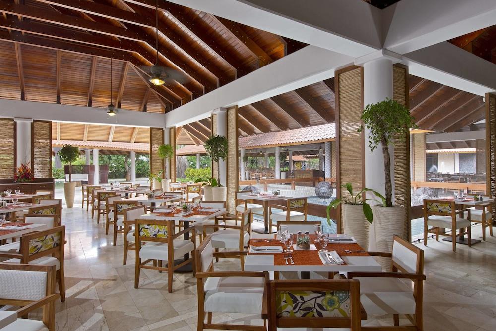 더 웨스틴 골프 리조트 & 스파, 플라야 콘찰 - 올 인클루시브(The Westin Golf Resort & Spa, Playa Conchal - All Inclusive) Hotel Image 52 - Restaurant