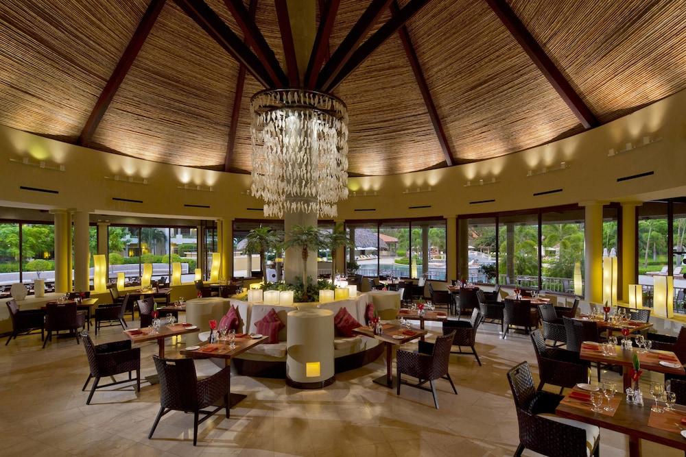 더 웨스틴 골프 리조트 & 스파, 플라야 콘찰 - 올 인클루시브(The Westin Golf Resort & Spa, Playa Conchal - All Inclusive) Hotel Image 53 - Restaurant