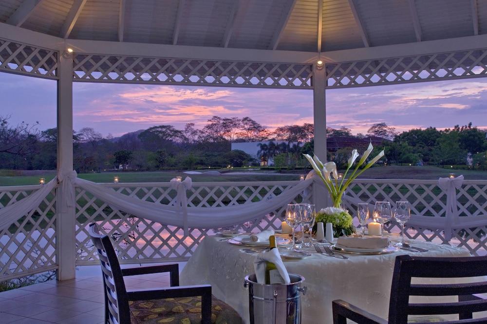 더 웨스틴 골프 리조트 & 스파, 플라야 콘찰 - 올 인클루시브(The Westin Golf Resort & Spa, Playa Conchal - All Inclusive) Hotel Image 54 - Restaurant