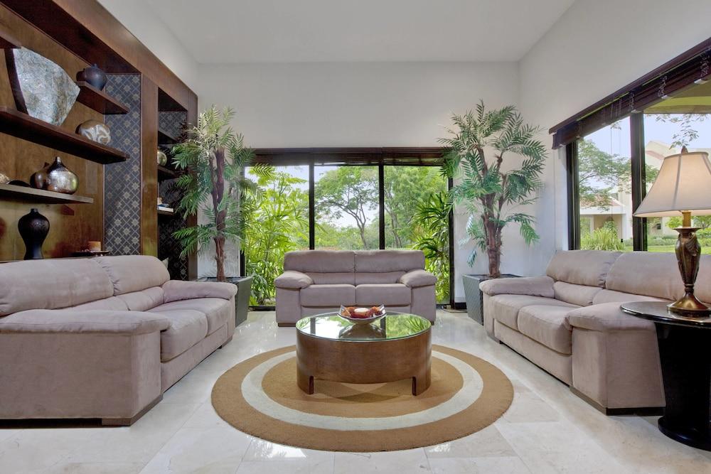 더 웨스틴 골프 리조트 & 스파, 플라야 콘찰 - 올 인클루시브(The Westin Golf Resort & Spa, Playa Conchal - All Inclusive) Hotel Image 69 - Hotel Bar