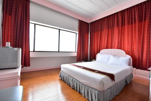 . Thumrin Hotel