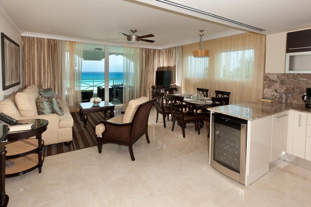 https://i.travelapi.com/hotels/5000000/4160000/4152900/4152881/473a1731_z.jpg