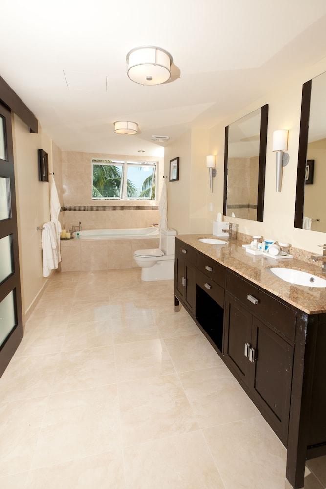 https://i.travelapi.com/hotels/5000000/4160000/4152900/4152881/b20101fe_z.jpg