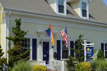 Hotel - Admirals Landing Bed & Breakfast