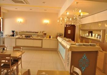 그랜드 안작 호텔(Grand Anzac Hotel) Hotel Image 27 - Breakfast Area