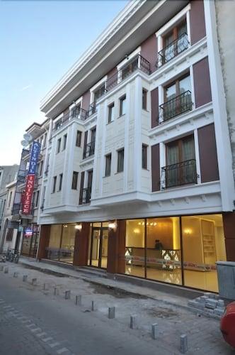 Grand Anzac Hotel, Merkez