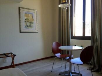 Le Centre Nautique Suites - In-Room Dining  - #0