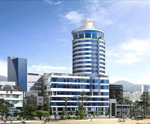 Hotel Aqua Palace, Suyeong