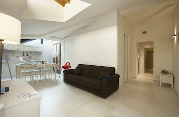 Apartment, 2 Bedrooms, Balcony (5/A , Borgo Albizi 29 - Lift)