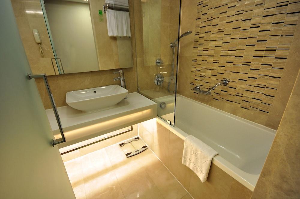 레브니 호텔 & 스파(Levni Hotel & Spa) Hotel Image 30 - Bathroom