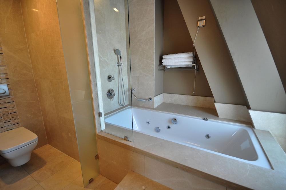 레브니 호텔 & 스파(Levni Hotel & Spa) Hotel Image 78 - Bathroom