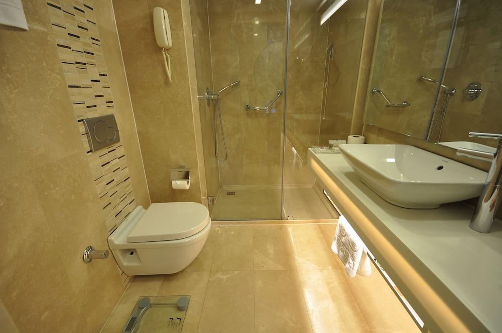 레브니 호텔 & 스파(Levni Hotel & Spa) Hotel Image 41 - Bathroom