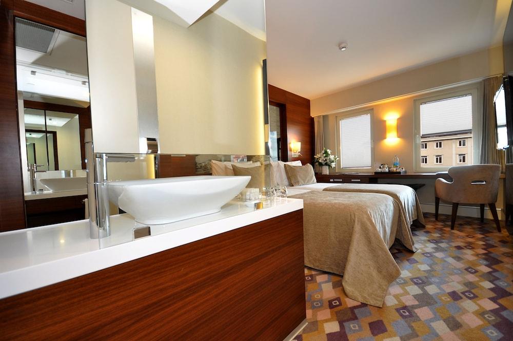 레브니 호텔 & 스파(Levni Hotel & Spa) Hotel Image 45 - Bathroom Sink