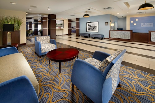 . Holiday Inn Express Hotel & Suites Tullahoma, an IHG Hotel