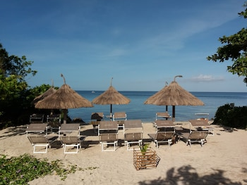 Tepanee Beach Resort Malapascua Sundeck