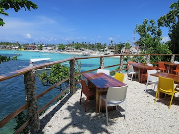 Tepanee Beach Resort Malapascua Outdoor Dining