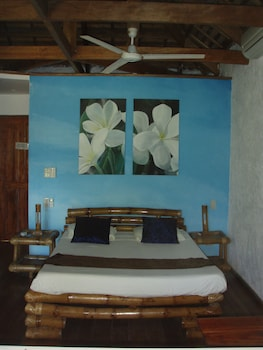 Tepanee Beach Resort Malapascua Room